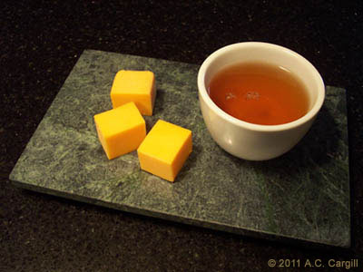 Arya Estate Darjeeling 2009 Autumn Flush with sharp cheddar – superb!