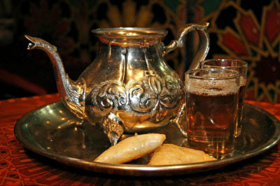 Marrakesh Restaurant tea service – note that the teapot has no lid, all the better to pour from on high