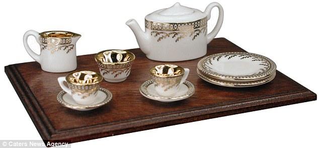 Miniature Tea Set (teapot is 14mm tall)
