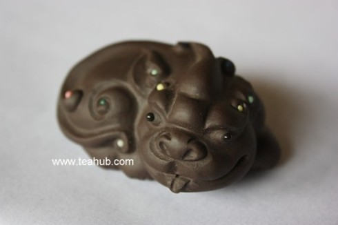 Pi Xui (the ninth offspring of the dragon) tea pet, from www.teahub.com