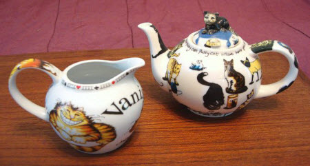 Cardew creamer and teapot