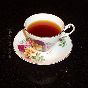 Observe the reddish hue of this English Breakfast Blend tea! (Photo source: A.C. Cargill, all rights reserved)
