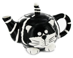 Chester the Cat Teapot (Photo source: The English Tea Store)