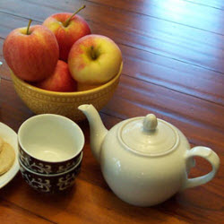 Apples bring that Fall crispness to your tea time. (Photo source: A.C. Cargill, all rights reserved)