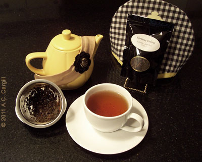 Formosa Oolong makes teapots, teacups, and tastebuds happy! (Photo source: A.C. Cargill, all rights reserved)