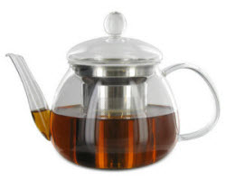 The Petit Teapot adds its glassy sparkle to your romantic teatime. (Photo source: The English Tea Store)