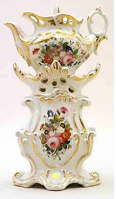 Rococo Teapot 334 from the Trenton Tennessee museum (Photo source: screen capture from site)