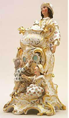 Rococo Teapot 397 from the Trenton Tennessee museum (Photo source: screen capture from site)