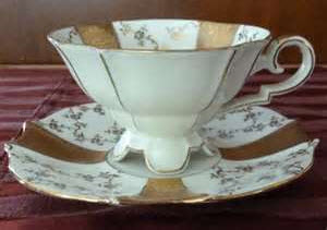 "Albothe & Kaiser Footed Tea Cup and Saucer Set ""Marion"" (Photo source: Yahoo! Images)"