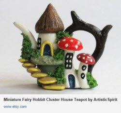Miniature Fairy Hobbit Cluster House Teapot (Source: Yahoo! Images)
