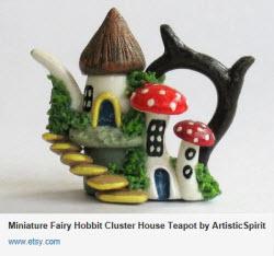 Miniature Fairy Hobbit Cluster House Teapot (Source: Yahoo! Images)