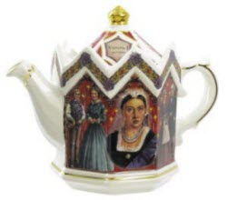 Sadler Queen Victoria teapot (Photo source: The English Tea Store)