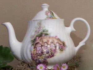 English Cottage Fine Bone China (Photo source: The English Tea Store)