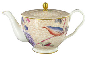 Doesn't this Wedgwood Harlequin Cuckoo Teapot practically demand good manners? (ETS image)