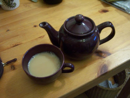 Scottish Breakfast with milk (photo by Elise Nuding, all rights reserved)