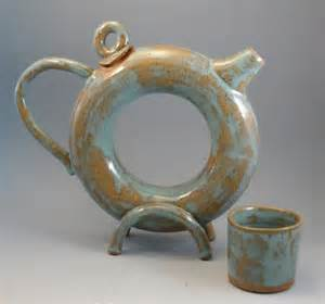 Donut Teapot and Cup by Pats Pottery (image via Yahoo! Images)