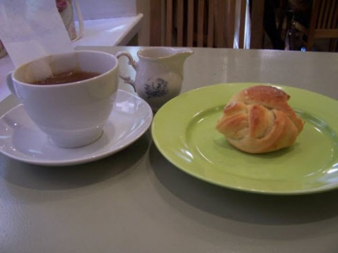 My Stockholm tea experience, complete with tasty bun! (photo by Elise Nuding, all rights reserved)