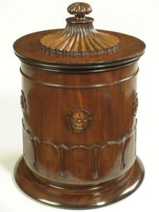 Regency period mahogany tea caddy (From Pinterest)