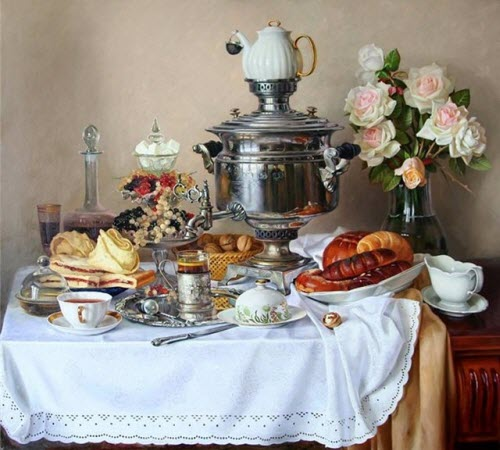 The samovar is the star and an array of foods play co-starring roles (via Yahoo! Images)