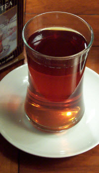 A strong black tea served in an attractive glass. (Photo by A.C. Cargill, all rights reserved.)