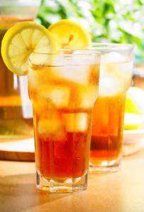 Iced tea with lemon (stock photo)