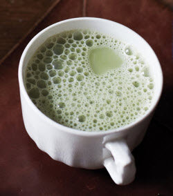 Hot Matcha Latte – almost better than hot cocoa! (From Yahoo! Images)
