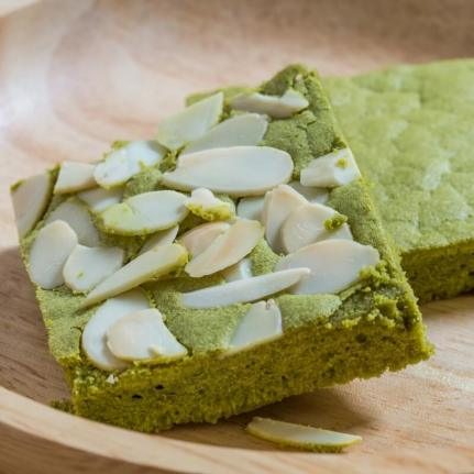 white-chocolate-matcha-brownies