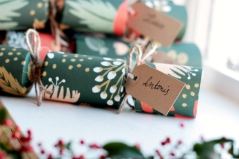 25-xmas-crackers-readyb.jpg