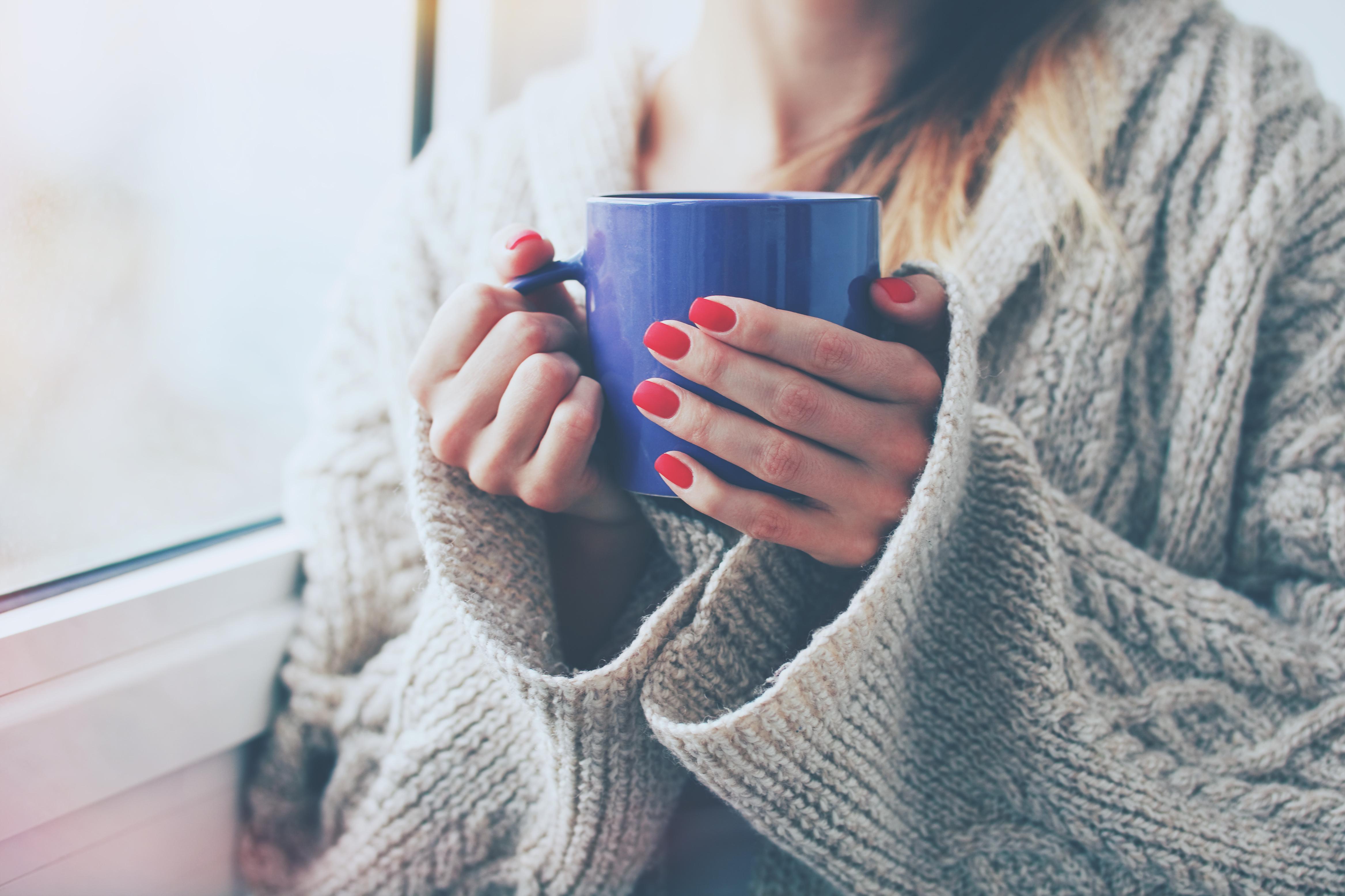 картинки кофе руки свитер